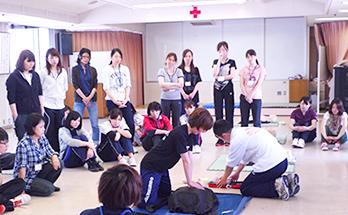 赤十字救急法講習会